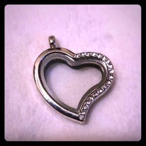 NEW❤️ Open Heart Locket